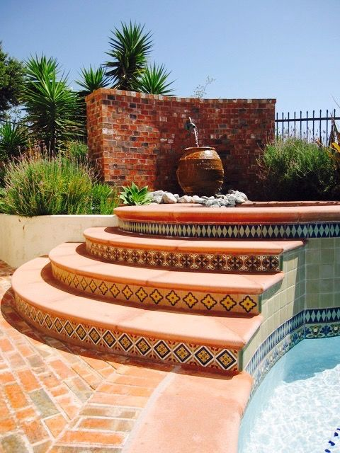 Image gathered from Mexican Tile Designs